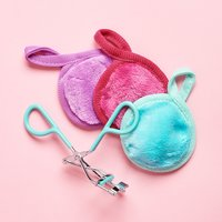 Eyelash Curler and Makeup Remover Pads