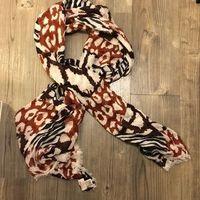 Banana Republic Issa London scarf