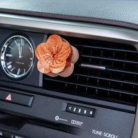 Vörda Plum Blossom Wooden Car Diffuser