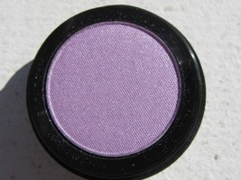 Starlooks Eye Shadow in Lined in Lilac