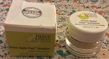 JUICE BEAUTY/Green Apple Peel Sensitive sample pot of .25oz (1/8 of the full-size that retails for $39.00) From the May 2013 Birchbox (expires in March 2016)