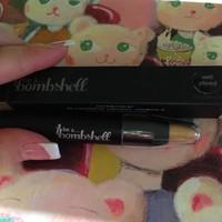 Be A Bombshell Eye Crayon
