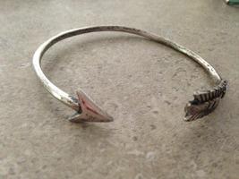 Geranium Arrow Bracelet - adjustable