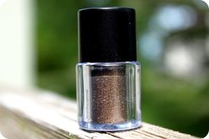 Pigment Luster in Cinnamon Toss
