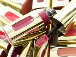 Loreal Color Rich Lip Color in Blushing Harmony 103