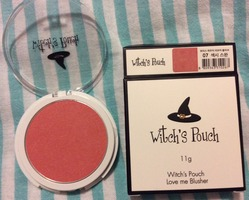 Witch's Pouch Love Me Blusher in 07 Sexy Swan