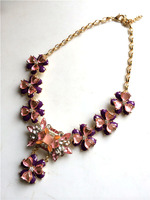 Blooming tulips necklace