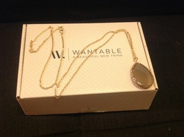 Wantable Gold Neck