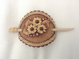 Masterpeace carved birch wood hair pin