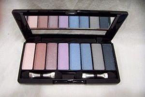 Avon True Colors 8-in-1 Eyeshadow Palette - Water Colors