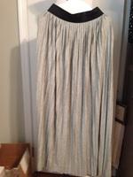 Promesa gray pleated Maxi skirt