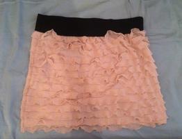 Off white riffle skirt small