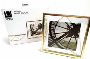 Umbra Prisma Photo Display