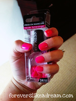imPRESS press-on manicure in hot pink