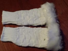 Chamomile Fingerless Knit Mittens in White