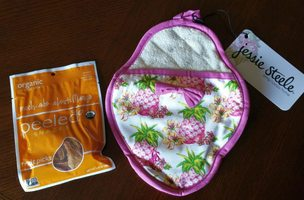 Jesse Steele Pink Pot Holder & Peeled Snacks Mango